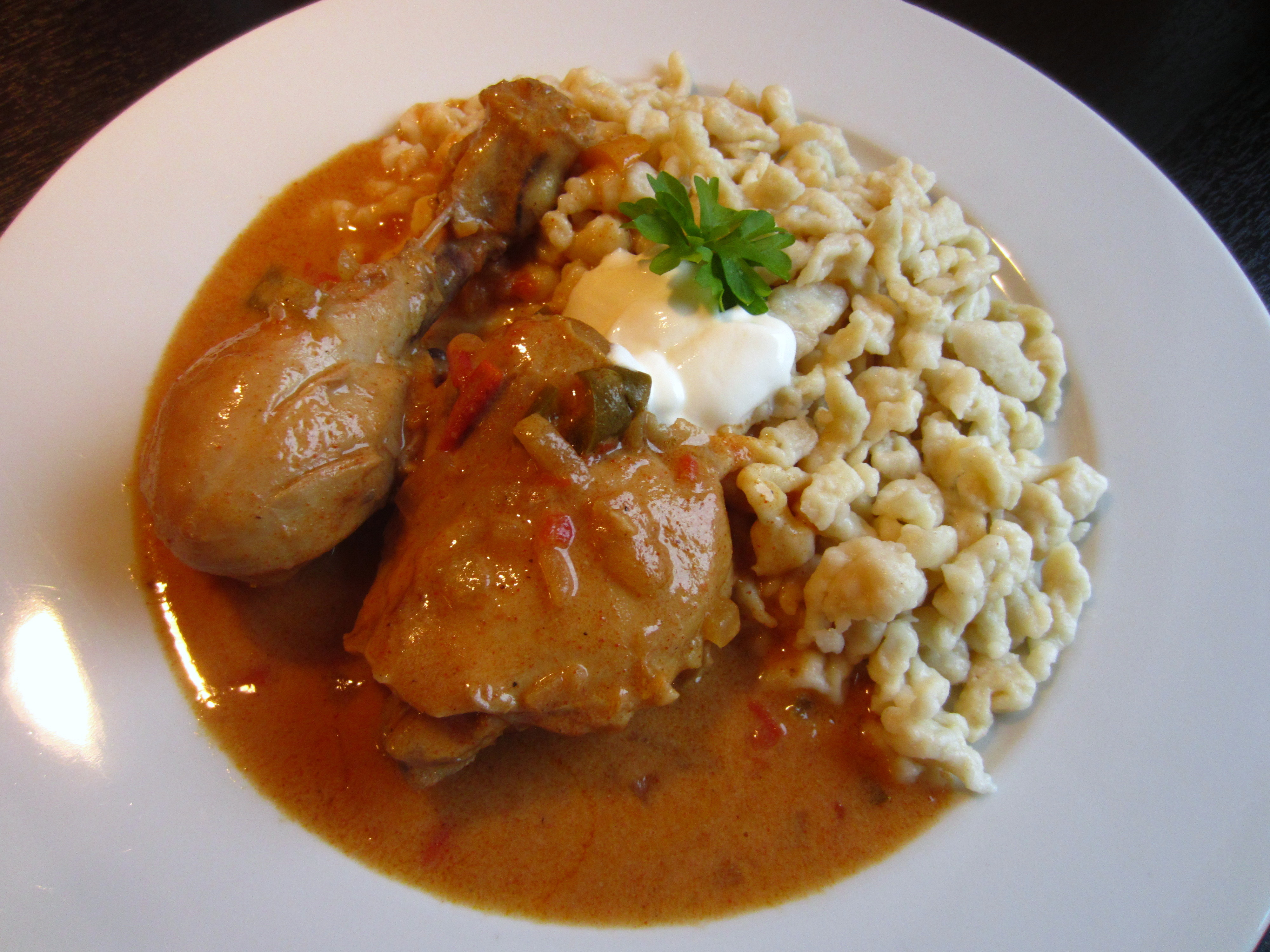 Chicken Paprikash (paprikás csirke galuskával) | Cooking with Carina